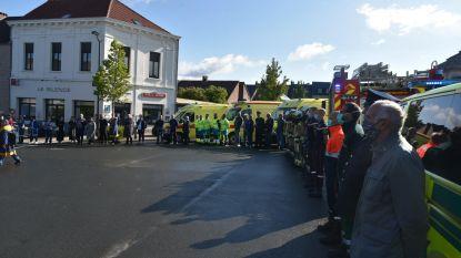 Brusselse brandweermannen vormen indrukwekkende erehaag voor overleden geneesheer