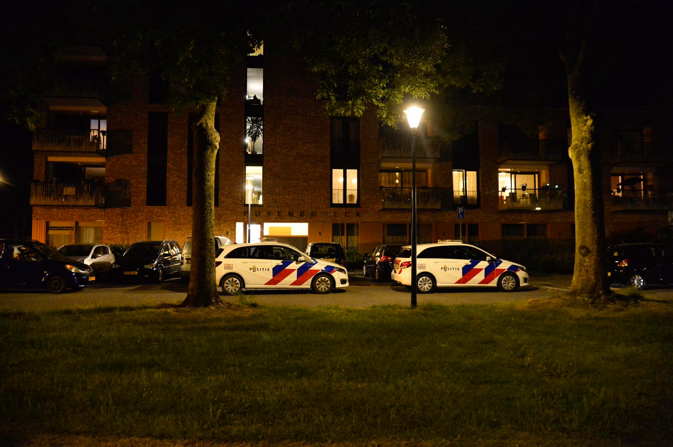 Vrouw zwaargewond aangetroffen in woning Breda.