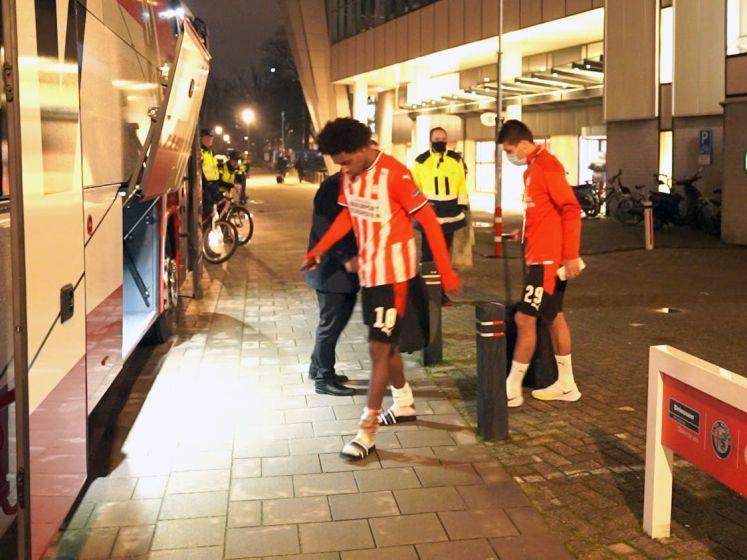 Europees avontuur PSV zit erop, spelers druipen teleurgesteld af