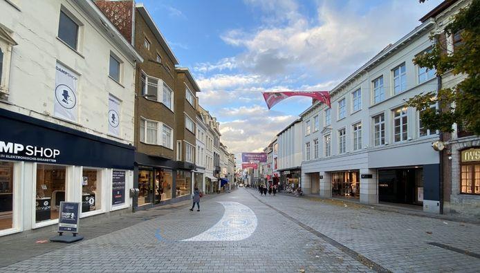 Een beeld richting Steenpoort en winkelcentrum K, op woensdag 21 oktober om 17.30 uur.