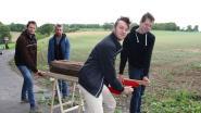 """Jonge Ronsenaars stappen mee in eeuwenoude traditie van de Dragers van Sint-Hermes: """"Echt iets om trots op te zijn"""""""