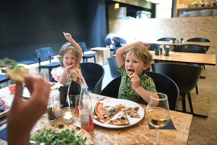 Biopizza's smullen bij Eat Love