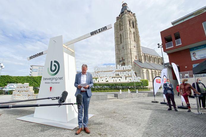 Luc Van Gorp, nationaal voorzitter LCM tijdens de nationale actie op het Droesbekeplein in Oudenaarde.