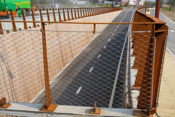 De nieuwe fietstunnel in Sint-Stevens-Woluwe is klaar.