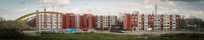 De wooncontainers van Place2BU bij de Gele Brug