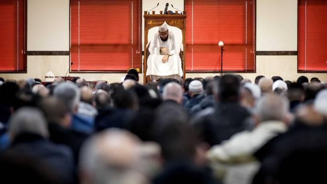 """Moslimexecutieve: """"Annuleer het vrijdaggebed"""""""