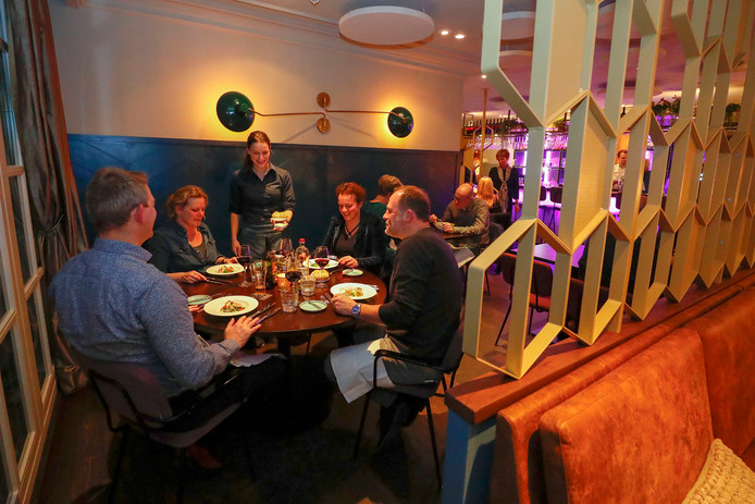 De inrichting van restaurant Beaux kun je beslist kunstzinnig noemen.