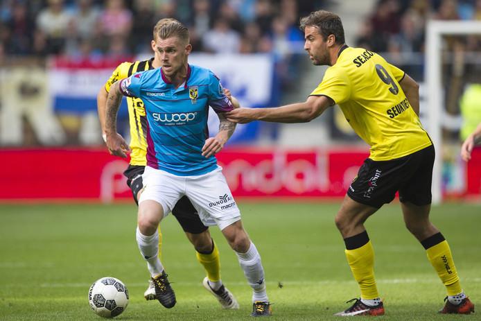 Vitesse speler Maikel van der Werff(l).