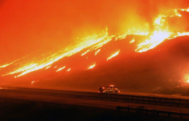 Extreme droogte en wind creërden een vuurzee in Zuid-Californië. Beeld Ryan Cullom / AP