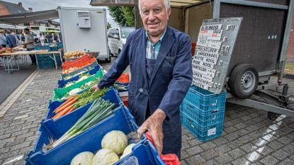 """Etienne neemt zaterdag na 40 jaar afscheid van zijn geliefde Boerenmarkt: """"Eerlijk? Ik zie er een beetje tegenop"""""""