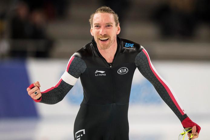 Ted-Jan Bloemen hield Kramer van olympisch goud op de 10.000 meter.