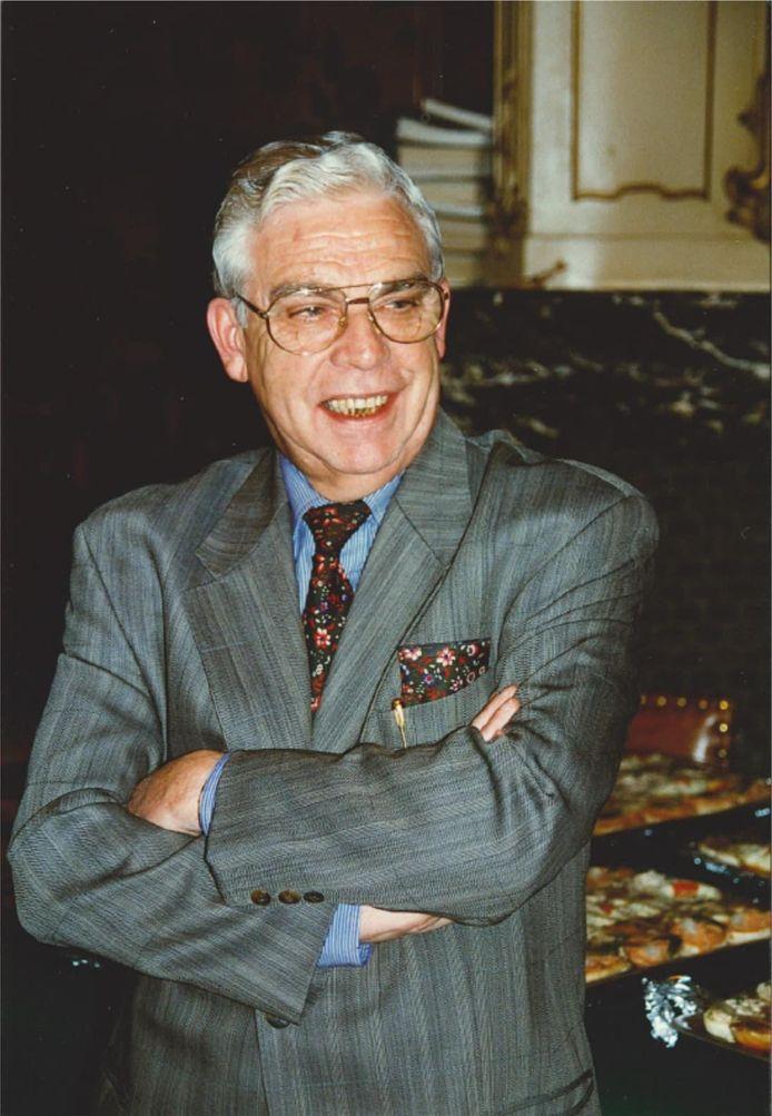 Voormalig burgemeester Fernand Bourdon is op 87-jarige leeftijd overleden.