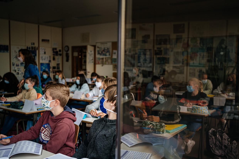 Cijfers over hoeveel scholen in totaal al klassen in quarantaine tellen, zijn er nog niet.