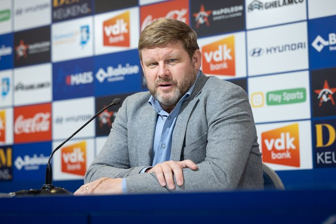 Hein Vanhaezebrouck op de persconferentie in aanloop naar de wedstrijd tegen Zulte Waregem.