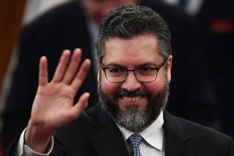 Diplomaat Ernesto Araujo wordt de nieuwe Buitenlandminister onder Jair Bolsonaro. Via Twitter kondigt hij al aan dat Brazilië uit het VN-migratiepact zal stappen. Beeld AFP