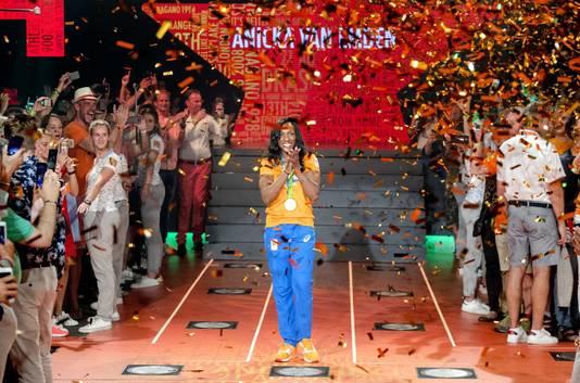 Haagse judoka Anicka van Emden wint brons op de Olympische Spelen.
