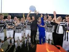 'Amateurclubs eisen minder regels voor betaalde voetbal'
