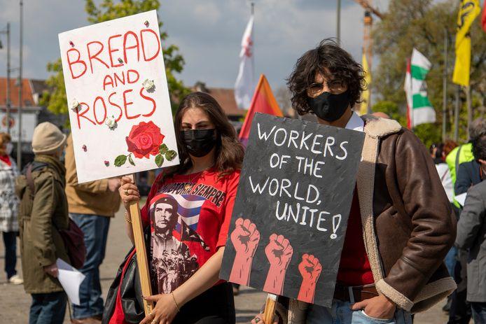 Ook PVDA Limburg en verschillende sympathisanten voerden actie tijdens Dag van de Arbeid.