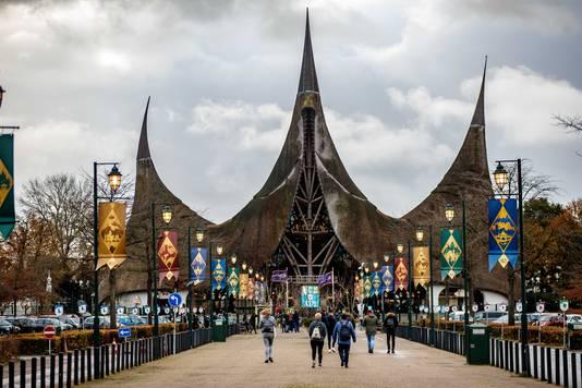 Attractieparken als de Efteling mogen volgende week weer open.