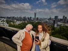 Piet (81) werkte mee aan Euromast, maar ging pas deze week omhoog: 'Stond te trillen op mijn benen'