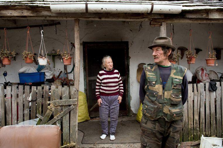 Het echtpaar Petro in het dorp Vasad, ten zuid-oosten van Boedapest krijgt wekelijks armenhulp van de katholieke kerk. Beeld EPA