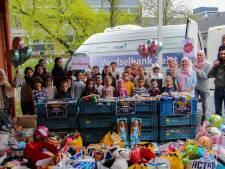 Kratten vol eten en zakken vol speelgoed: 3400 producten naar Zeister Voedselbank voor Suikerfeest