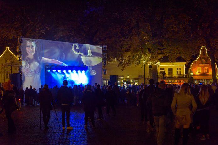 De Halloween-editie van vorig jaar trok vele mensen naar Oirschot, zoals hier op de Markt.