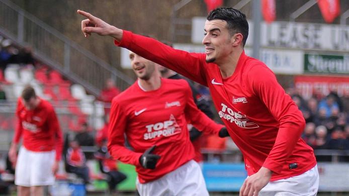 Hakim Ezafzafi was zaterdag weer eens belangrijk voor zijn ploeg: de spits scoorde twee keer.