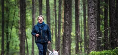 Heidi's uitlaatservice doet het anders: 'De hond bepaalt waar we lopen'