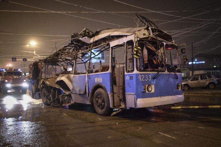 Het karkas van de trolleybus. Beeld REUTERS