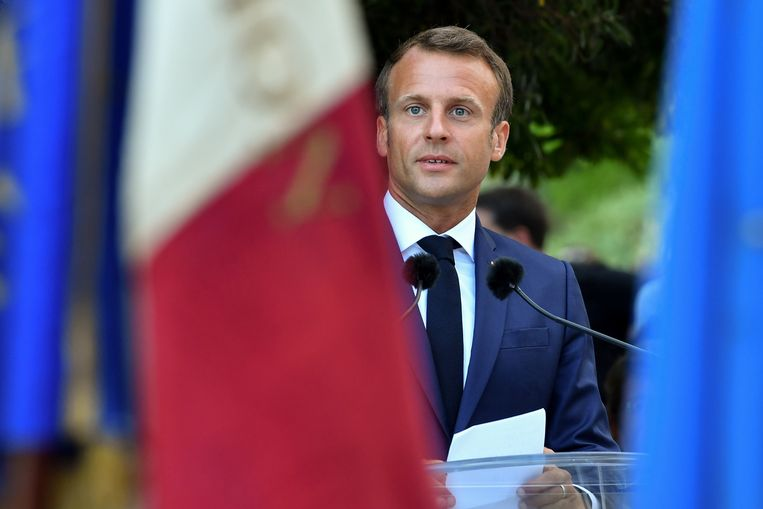 Emmanuel Macron wil van geen wijken weten.  Beeld REUTERS