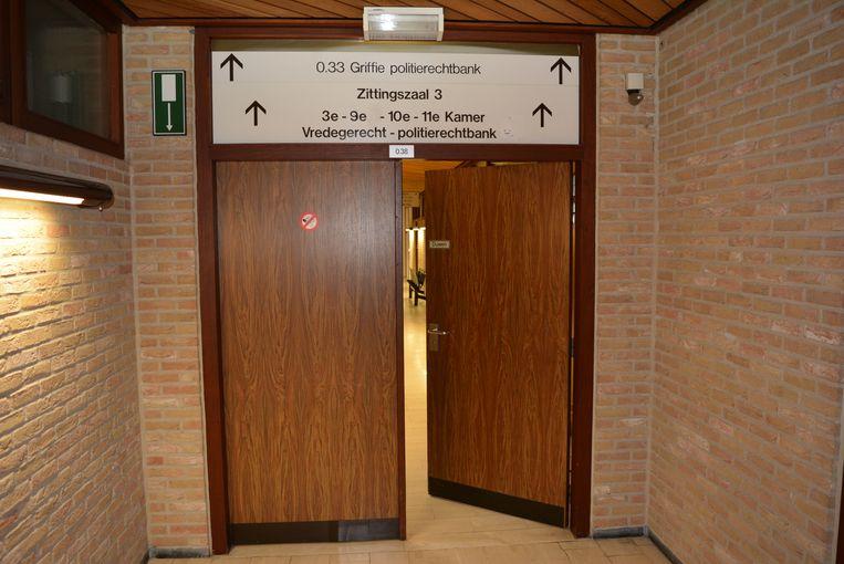 Het koppel daagde niet op in de rechtbank van Veurne.