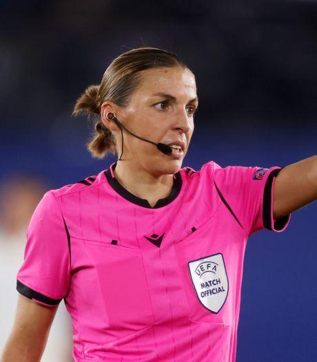Voici la première femme désignée arbitre centrale en Ligue des champions