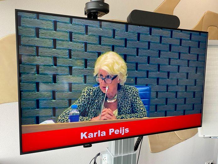 Formateur Karla Peijs geeft tekst en uitleg over haar werk in Brabant.