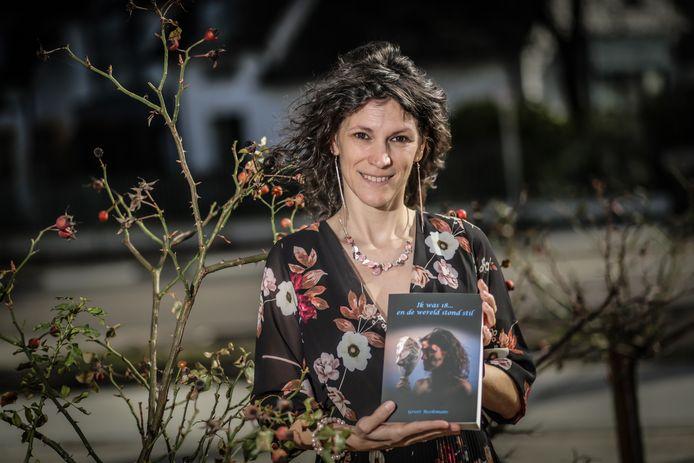 Greet Reekmans presenteert haar boek 'Ik was 18... en de wereld stond stil'.