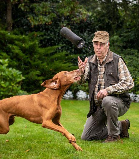 Ben uit Denekamp heeft Parkinson, jachthond Bor houdt hem scherp: 'Mijn trouwe makker'