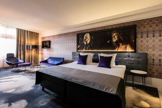 Een kamer in Hard Rock stijl. Van de 175 kamers in het American Hotel moeten er nog 75 worden verbouwd.