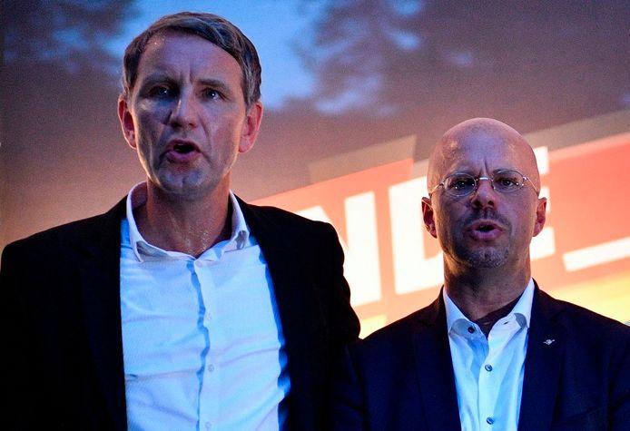 """AfD-boegbeeld Björn Höcke (L) en Andreas Kalbitz zijn de leiders van """"Der Flügel""""."""