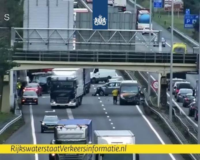 A67 bij Geldrop naar Eindhoven dicht door ongeluk