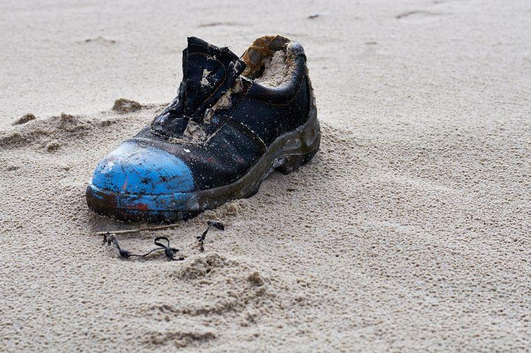 Lang niet elk paar online bestelde schoenen raakt tot bij de klant, want containers durven al wel eens in zee te belanden. Beeld © Zoonar/Olaf Pokorny