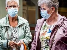 LIVE | Rover: Blijf mondkapje dragen in ov!, 'Kans op besmetting tijdens vliegreis klein'
