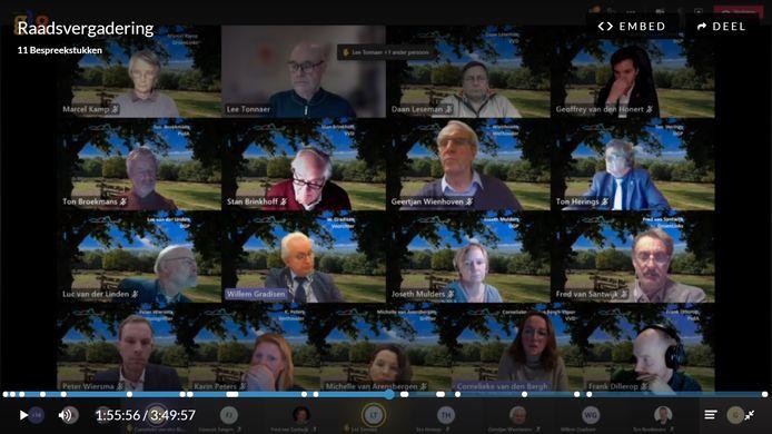 De gemeenteraad van Mook in een digitale vergadering.