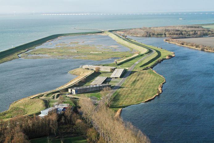 Nationaal monument Watersnood 1953 vanuit de lucht gezien.