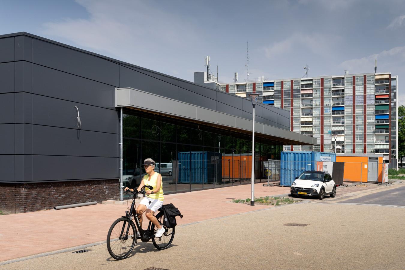 De nieuwe Lidl in aanbouw. De supermarkt in Waalwijk opent komende woensdag de deuren.