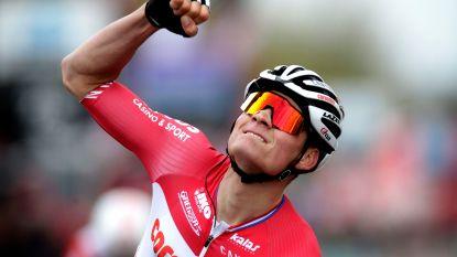 """Van der Poel ziet zichzelf nog niet als favoriet voor de Ronde: """"Nog bijna 100 kilometer langer"""""""