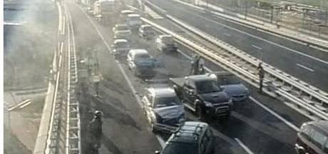 Botlekbrug richting Ridderkerk dicht door ongeluk