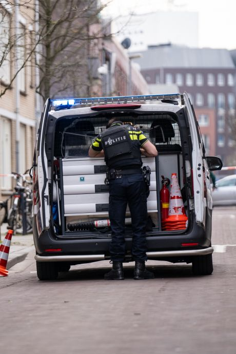 Man beschoten voor deur van kapsalon in Rotterdam, politie doet sporenonderzoek bij Erasmus MC