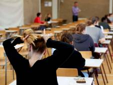 Scholieren hoopten op aanpassing van centraal examen: 'Iedereen zit te stressen'