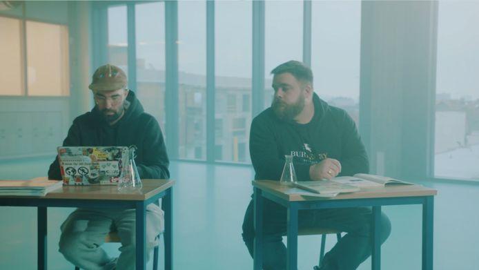 Lefto en Berry maakten een nummer voor de campagne die Brussels onderwijsminister Sven Gatz (Open Vld) lanceert.