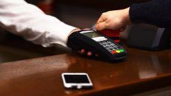 Belgische zakenman kan lunch niet betalen en ontdekt plots gat van 100 miljard op z'n rekening